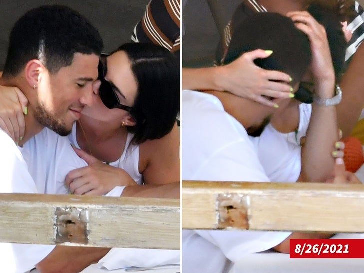 Kendall Jenner Gets Kissy with Devin Booker on Date in Italy