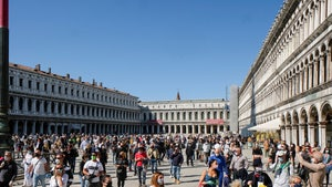 Italy's St. Mark's Square Already Packed Again as Lockdown's Lifted