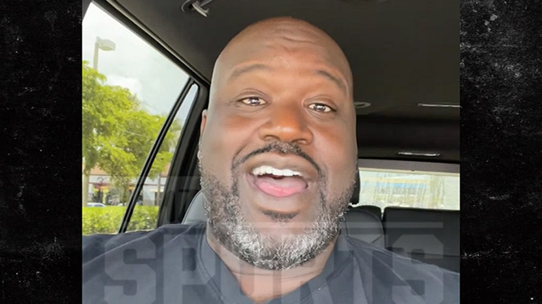 Shaquille O'Neal Makes Surprise Video For Fan At Bar Mitzvah thumbnail