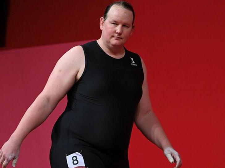 Laurel Hubbard weightlifting