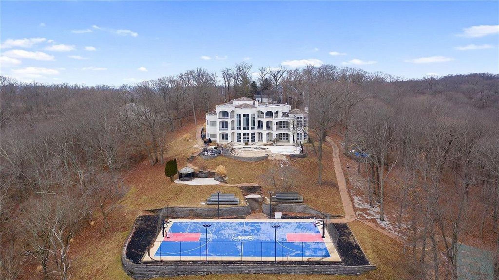 Nelly Unloading Missouri Mansion for $600k