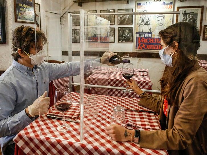 Restaurant in Rome Testing Plexiglass Divider