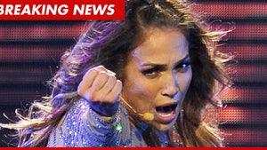 Jennifer Lopez -- Breaks Down In Tears During Concert