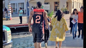 Kawhi Leonard Rocks Own Jersey On Cabo Vacay During All-Star Break