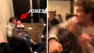 Oklahoma WR Spencer Jones Nearly Lost Eye In Insane Bar Brawl Caught On Video