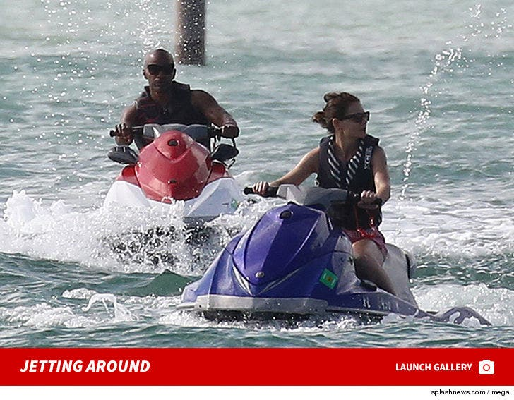 Katie Holmes and Jamie Foxx -- Jetting Around