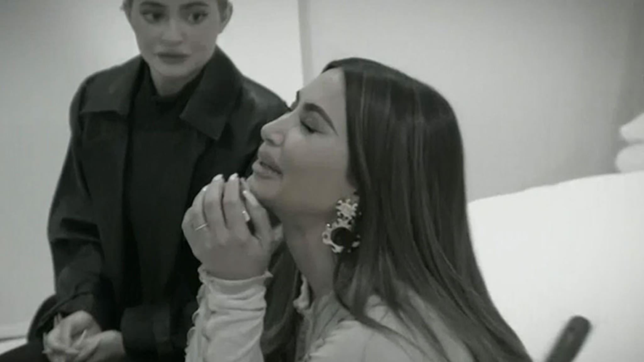 Kim Kardashian Says She Feels Like a Failure Over Kanye Marriage Collapse thumbnail