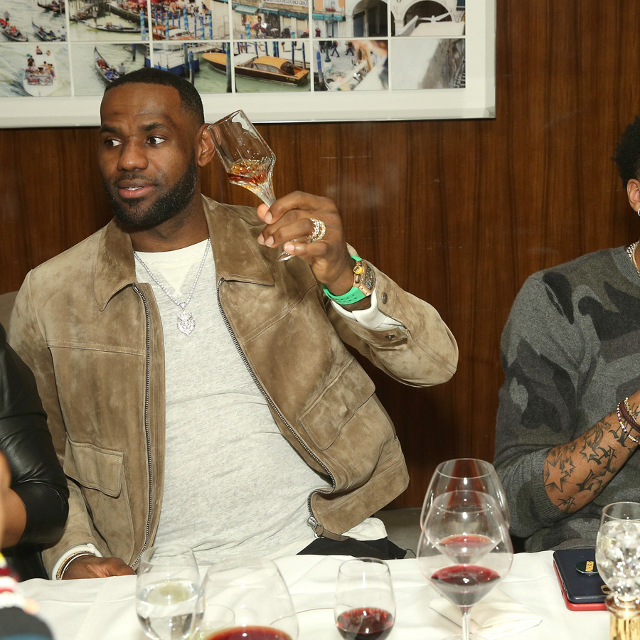 LeBron James, Anthony Davis & Dwight Howard Sip On $3K Cognac